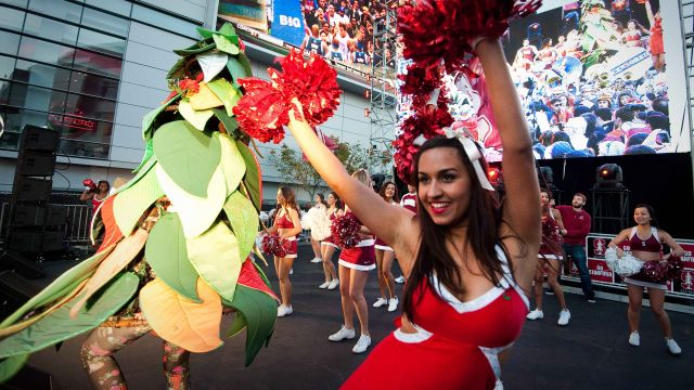 Cardinal fans pack L.A. Live for Rose Bowl pep rally